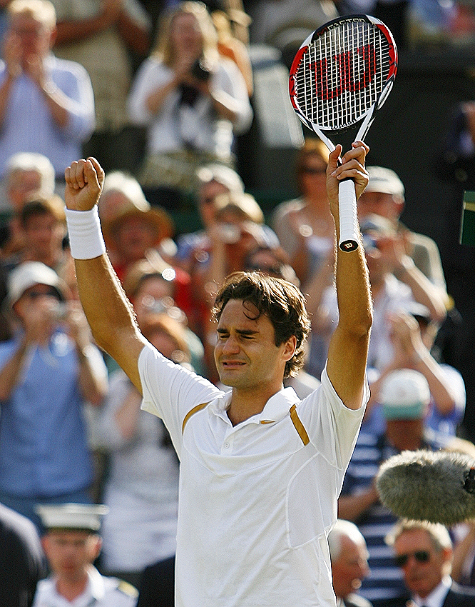 Roger Federer's 7-6 (7), 4-6, 7-6 (3), 2-6, 6-2 win over Rafael Nadal marked his 54th straight victory on grass.