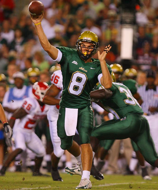 The 2006 Big East Rookie of the Year led South Florida to a surprising 9-4 record last season. The dual-threat QB led the Big East in total yards (3,198).
