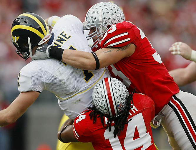 As a sophomore, Laurinaitis was the heart and soul of an inexperienced defense that grew up very quickly. He led Ohio State in both tackles (115) and interceptions (five) and became the first true sophomore to win the Nagurski Award as the nation's top defensive player.