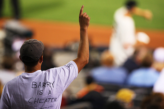 A T-Shirt of a fan in San Diego, including his statement on the 755th career home run.