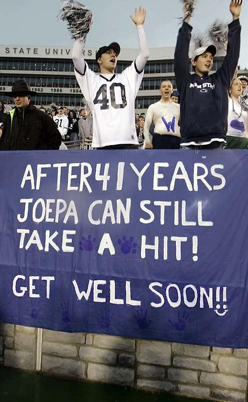 It was a tough year for coach Joe Paterno (and his left knee), but he still had the support of Nittany Lion fans.