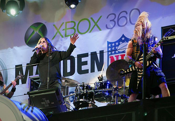 After watching Ozzy Osbourne trying to work the remote control on his reality show, we find it hard to believe he plays Xbox. But that didn't stop the rocker from performing at the Madden NFL 08 launch party earlier this week.