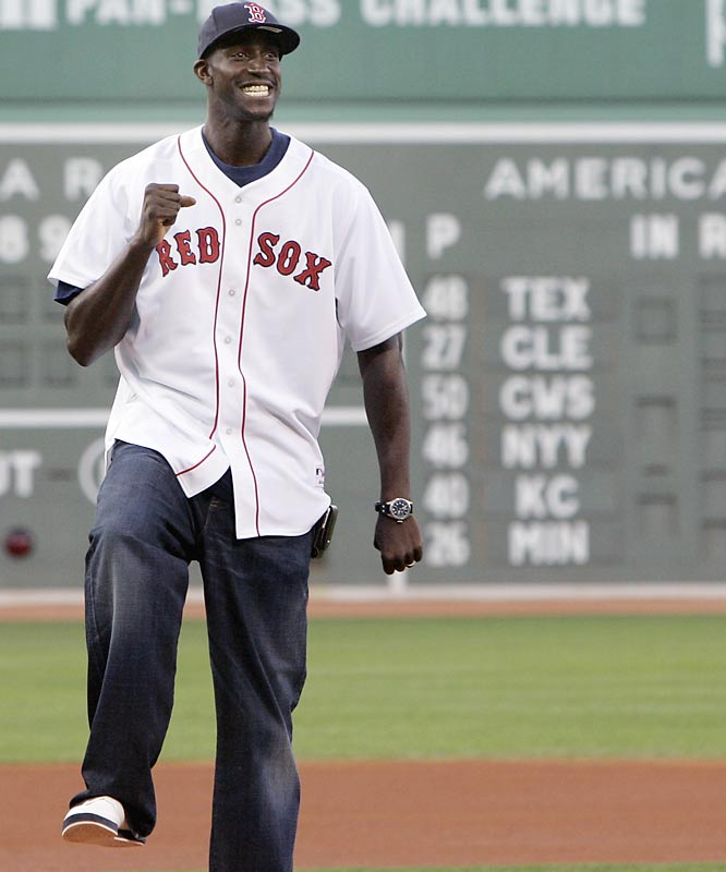 It didn't take long for Kevin Garnett to figure out that all he has to do is put on a Red Sox jersey to become a fan favorite in Beantown.