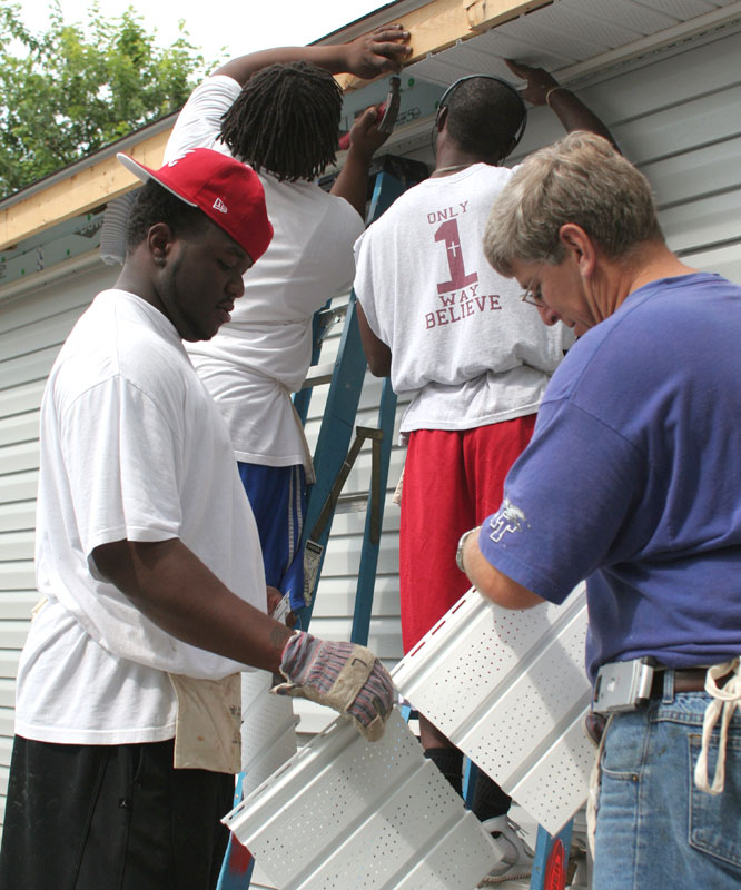 Middle Tennessee State players worked with Habitat for Humanity to build a home for a elderly couple in Murfreesboro, Tenn.