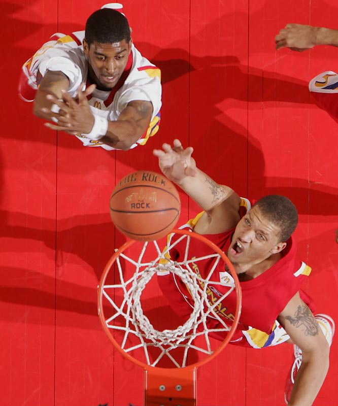The premier freshmen of 2007 -- Michael Beasley, right, OJ Mayo, left, and Derrick Rose, not pictured -- convene when USC takes on Memphis and Kansas State takes on the Fighting Irish at the Jimmy V Classic, Dec 4.