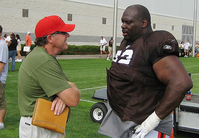Chatting with Browns defensive tackle Ted Washington after practice in Berea, Ohio.