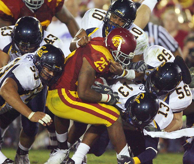 USC is the overwhelming favorite to win the national title this year, and the Golden Bears seem to be the Pac-10's next best team. Cal upset the Trojans in Berkeley in 2003, but USC has taken the last three. The Trojans may have the best defense in America, but Jeff Tedford's dynamic offense will be difficult to keep in check.