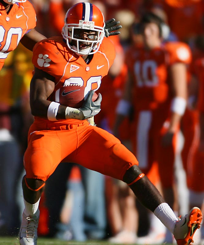 """Spiller plays the role of """"lightning"""" in Clemson's """"thunder and lightning"""" backfield. Spiller's 7.3 yards per carry average tells you everything you need to know."""