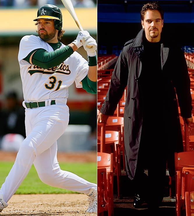 Now an A in Oakland, Mike Piazza is still an A-list clothes horse. Whether the man in black or the casually-dressed catcher, he's still in style.