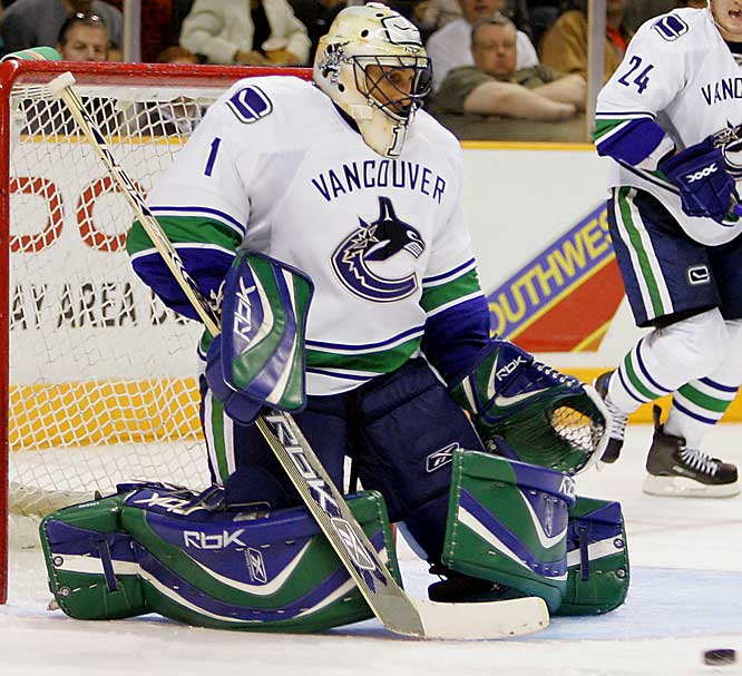 He's coming off a 42-22-6, 2.29 GAA Vezina- and MVP-worthy campaign in which he carried the lightly-regarded Canucks to the Northwest crown and an epic first-round playoff triumph over Dallas. A true workhorse (franchise-record 76 games last season), Luongo could seize the undisputed title of NHL's best netminder this season.
