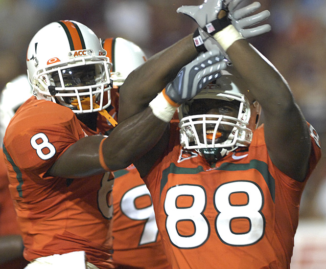Miami tight end Chris Zellner (88) celebrates after giving the Hurricanes a 31-0 lead late in the third quarter.