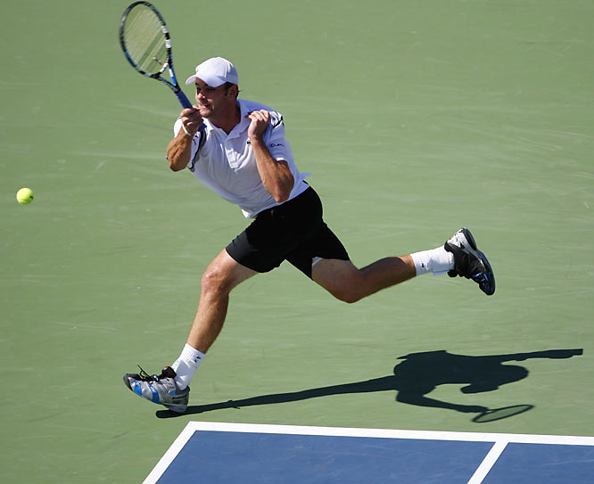 Roddick played valiantly against Federer in the quarterfinals but still fell 7-6 (7-5), 7-6 (7-4), 6-2. Federer improved to 14-1 all-time against the 25-year-old American, including 6-0 in Grand Slam tournaments.