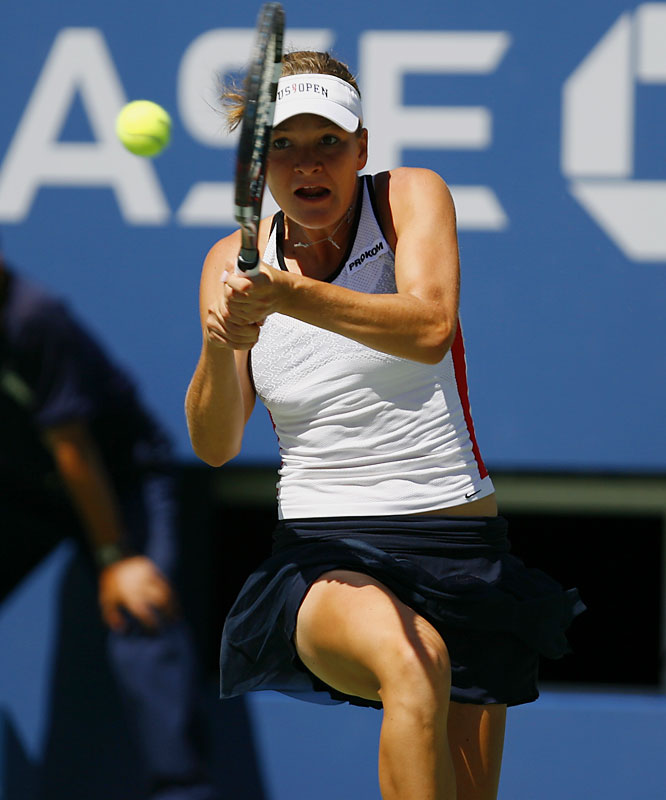 The 30th-seeded Agnieszka Radwanska posted a 6-4, 1-6, 6-2 upset over the former world No. 1 and two-time major titlist Sharapova. The 18-year-old Radwanska won the last six games of the match after losing the previous eight.