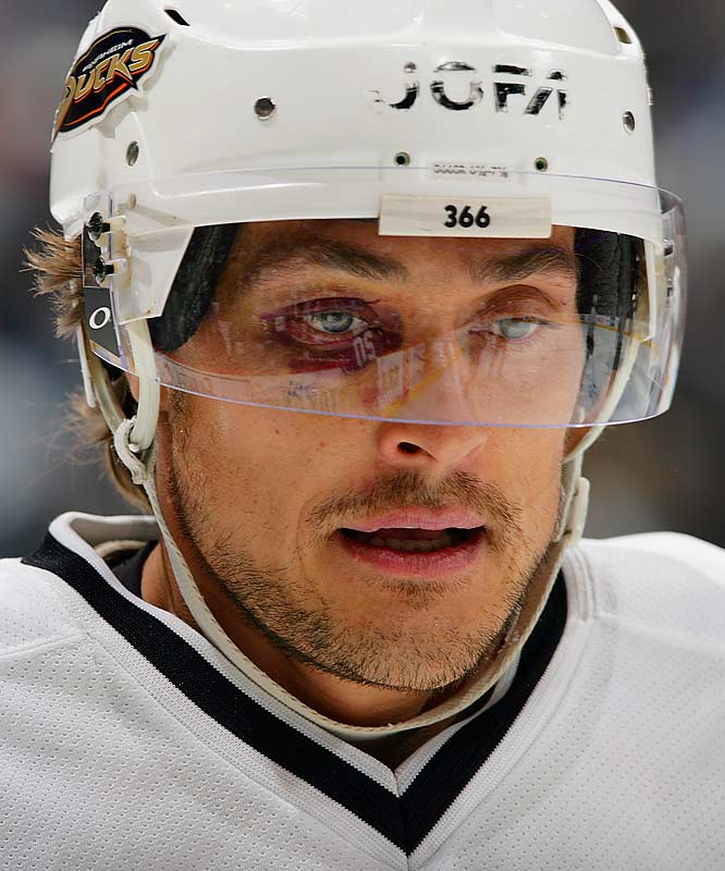 The famous Flying Finn sports the official eyewear of the National Hockey League.