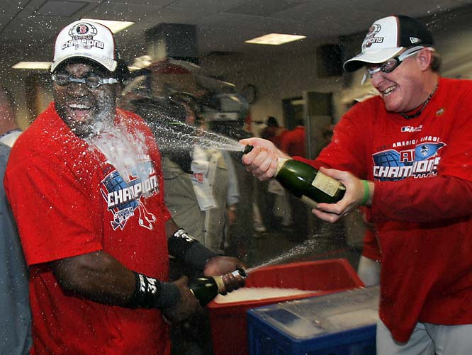David Ortiz and Curt Schilling let the champagne pour after earning a chance to take on the Colorado Rockies in the World Series.