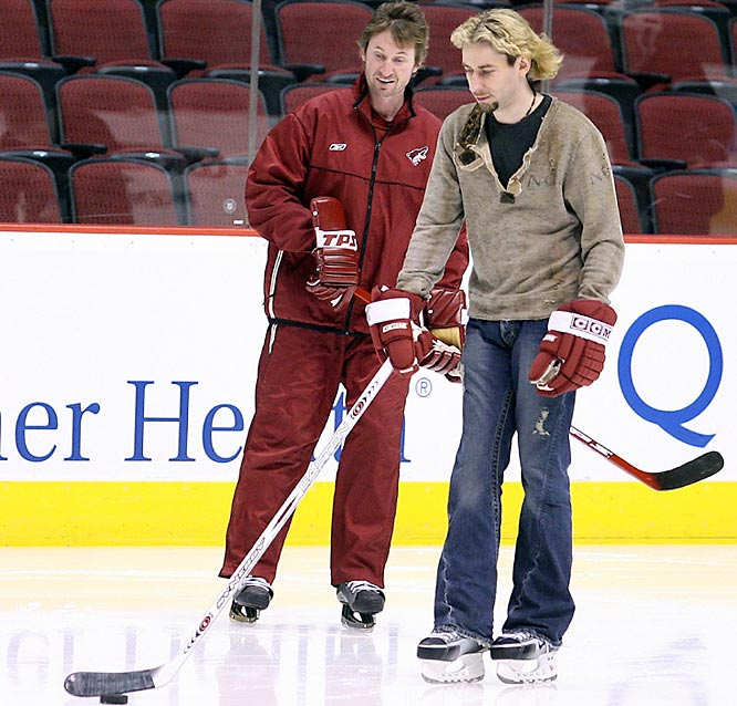 The Canadian rockers count many NHL players among their fans and can be found on the ice at practices. Lead singer Chad Kroeger got a few pointers from The Great One (Wayne Gretzky) while on tour in Phoenix in 2006.