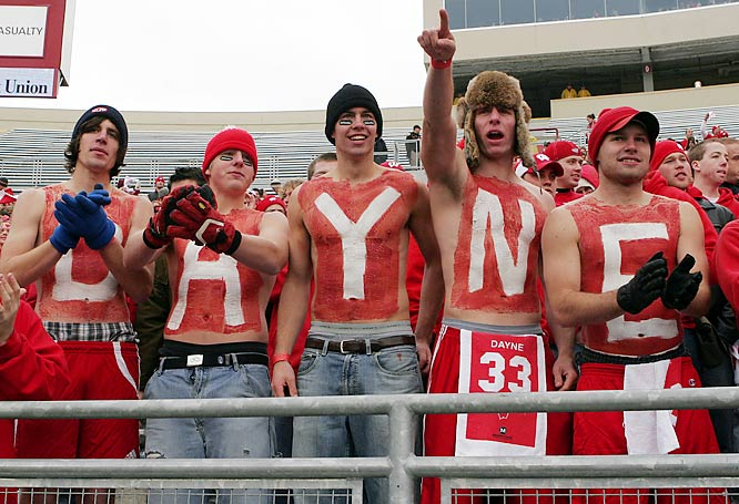 Wisconsin students honor Ron Dayne, whose number was retired in a halftime ceremony during the Badgers-Wolverines game last Saturday.
