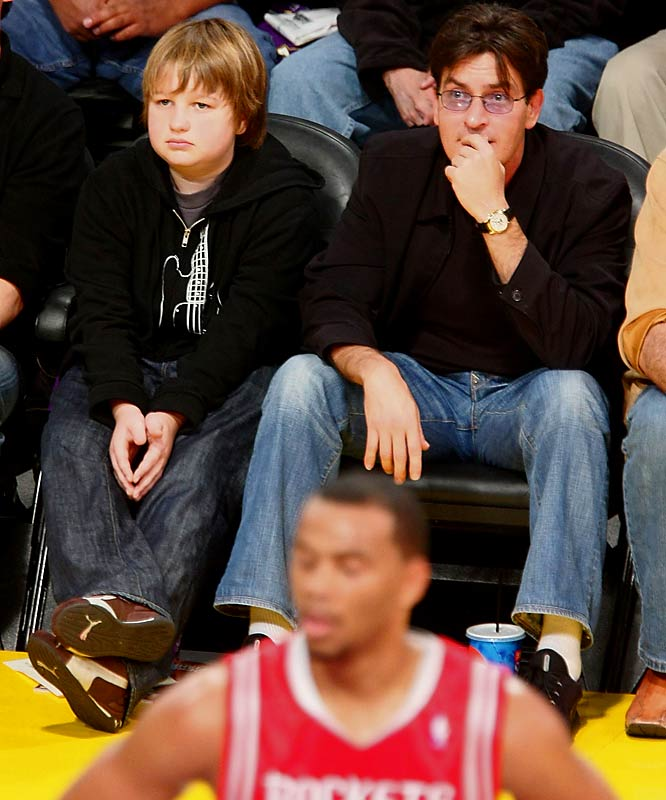 While 'Two and a Half Men's' Charlie Sheen and Angus T. Jones attended Tuesday's Rockets-Lakers tilt.