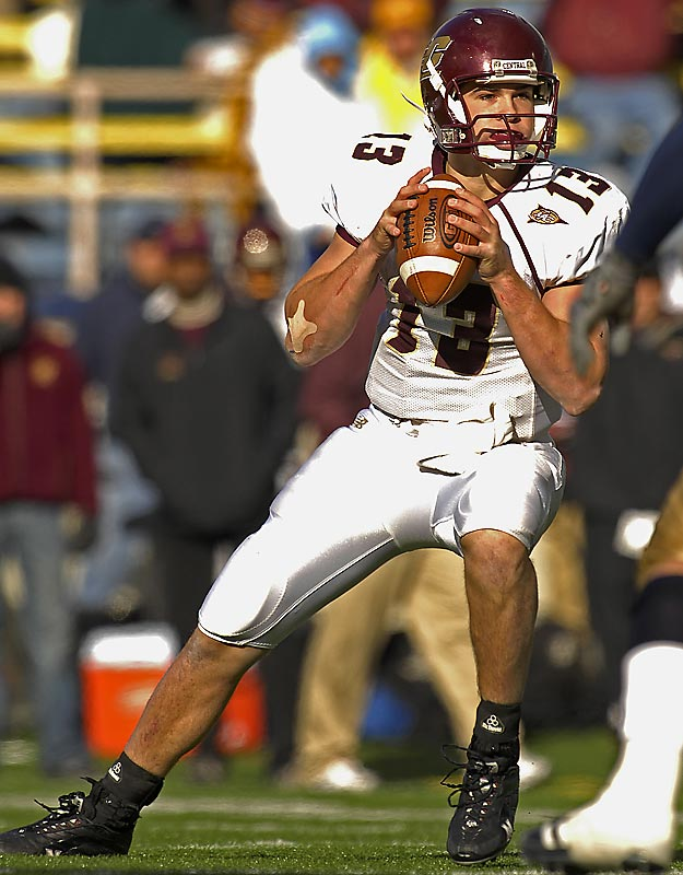 POOR MAN'S TIM TEBOW.<br><br>Everyone has heard of dual-threat QB Tim Tebow, but how many folks know Central Michigan QB Dan LeFevour. Like Tebow, LeFevour burns teams both through the air (3,175 yards, 22 TDs) and on the ground (838 yards, 15 TDs).