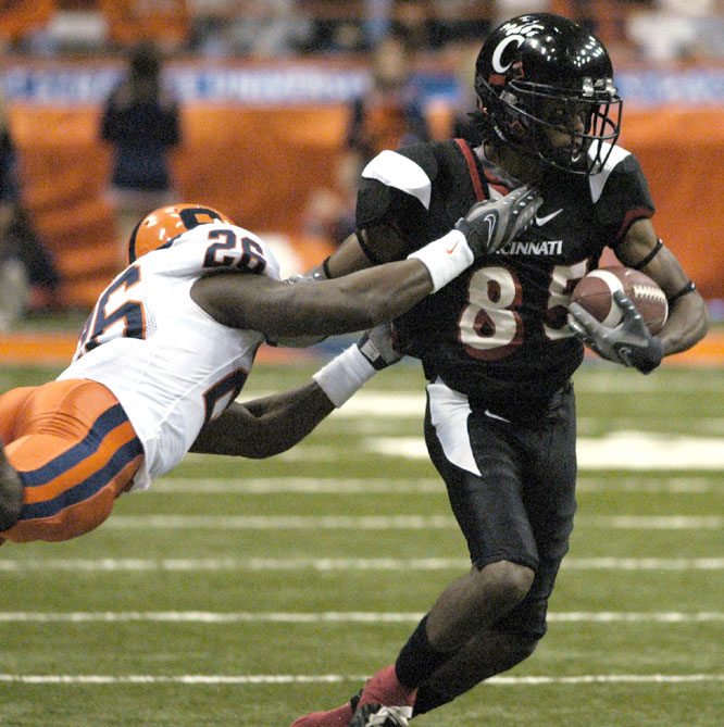 Marcus Barnett had touchdown receptions of 33, 8 and 18 yards as the Bearcats secured their first nine-win season since 1953.