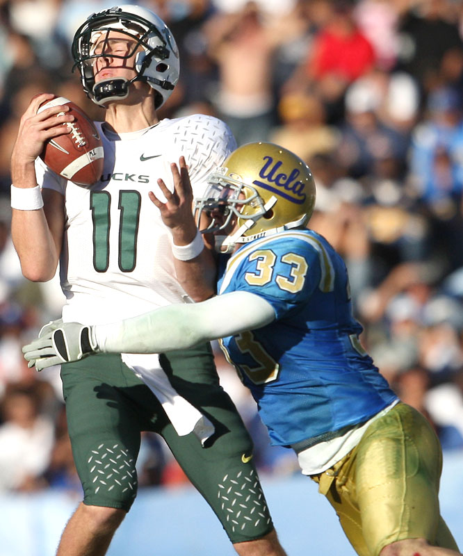 With Brady Leaf out, redshirt freshmen QBs Justin Roper (11) and Cody Kempt were unable to spark the offense as UCLA handed the Ducks their first shutout loss since 1985.