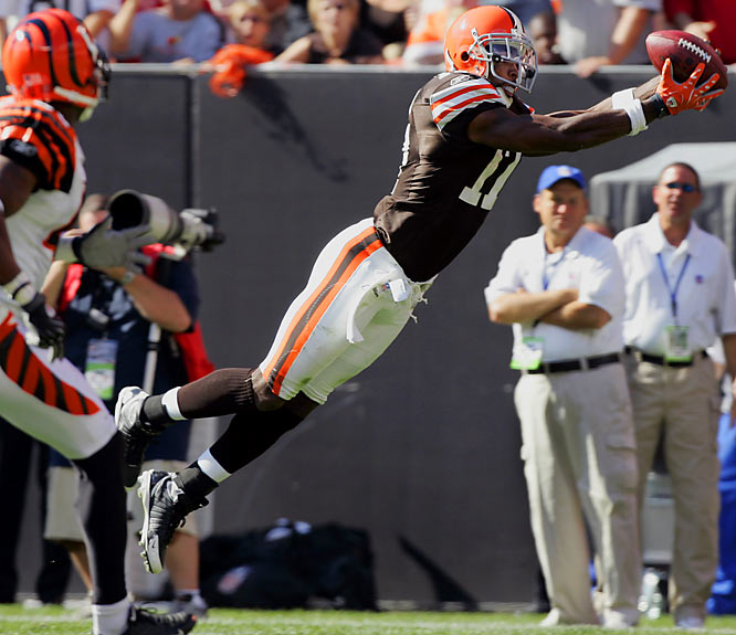 Edwards leaps over the competition with his big-play potential and is on pace to have the best season of his career (37 receptions, 669 yards, 9 TDs through Week 8).