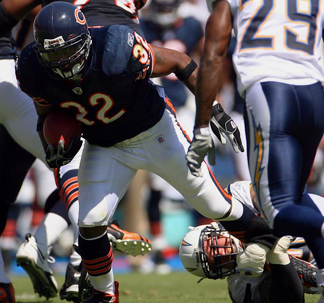 The Bears traded away last year's starter Thomas Jones and handed over the reins to the No. 4 overall pick in 2005. Benson has been a bust, averaging just 3.0 yards per carry through nine games.