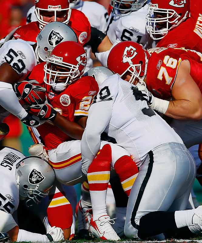 Late in a close game, Chiefs coach Herman Edwards opted to go for it on fourth-and-1 from the Oakland 23 instead of kicking a game-tying field goal. K.C. couldn't convert and it never got the ball again in a 20-17 loss.