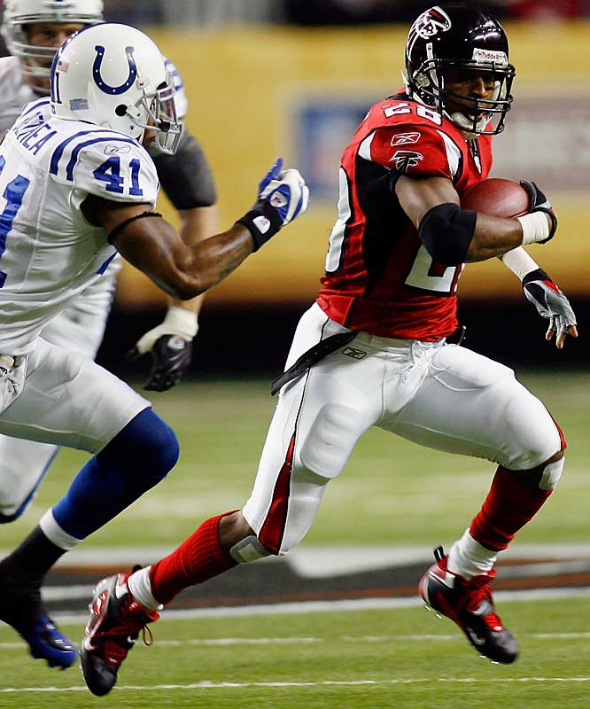 Warrick Dunn became the 22nd rusher in NFL history to reach 10,000 yard with a 2-yard run early in the second quarter. Dunn had 70 yards on 17 carries.
