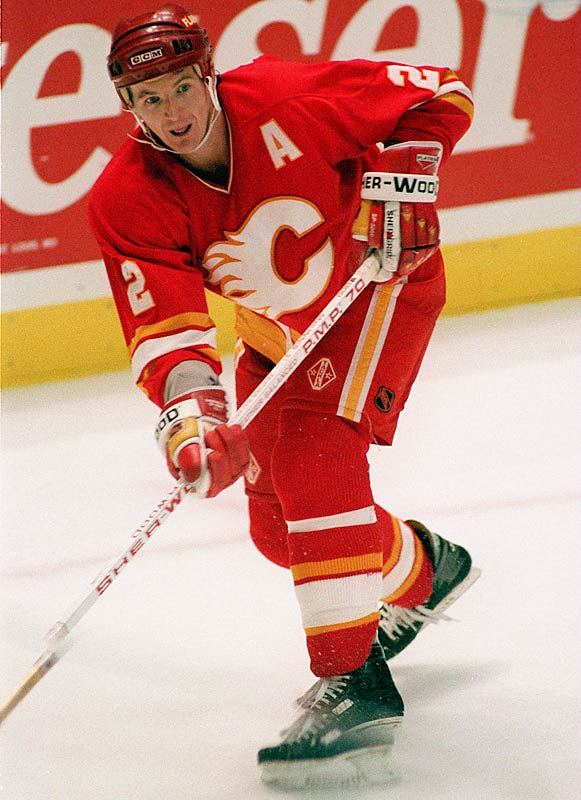 An exceptionally hard worker, MacInnis spent 11 full seasons with Calgary. He was a lethal postseason scorer -- 160 points in 177 career playoff games -- who helped the Flames reach the 1986 Cup final. He won the 1989 Conn Smythe with 7 goals (including four game-winners) and 24 assists in 22 playoff games as Calgary won the Cup by beating Patrick Roy and the Canadiens.