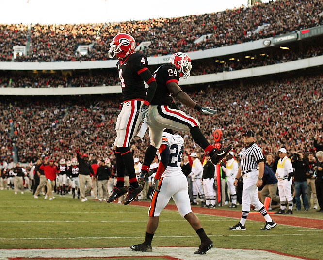 Wearing black jerseys for the first time in school history, the Bulldogs scored the game's final 28 points to earn the victory. Georgia freshman Knowshon Moreno eclipsed 100 yards rushing for the fourth straight game.
