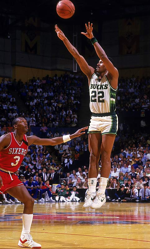 Pierce was a strong, methodical, sweet-shooting swingman from Rice with a post-up game that helped him averaged 19.5 points in 1986-87, second-best on the Bucks and good enough for the Sixth Man award. Three years later, his 23.0 average -- in 29.9 minutes per game -- was almost eight points better than Milwaukee's second-leading scorer, earning Pierce his second Sixth Man title.