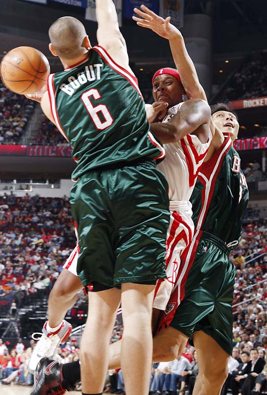 It was supposed to be a bounce-back year for the 6-5 veteran swingman, who had a forgettable '06-07 campaign under then Rockets coach Jeff Van Gundy. Instead, Wells has looked pretty much like the same player for new coach Rick Adelman. His stats (7.2 points, 1.4 assists in 21.6 minutes) are nearly identical, and he's shooting only 35.1 percent. Wells is in a contract year, so he'll need to pick it up if he wants to cash in this summer.