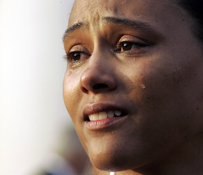 After pleading guilty to making false statements while under oath, Marion Jones offered a tearful apology outside a White Plains, N.Y., courthouse.