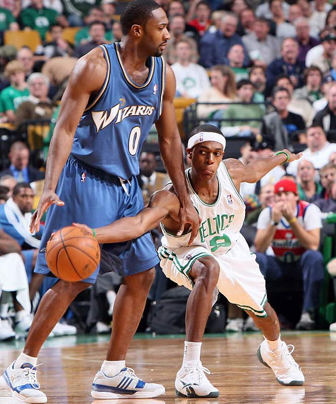 Rondo -- the Celtics's second-year point guard -- is averaging nearly two steals per game.