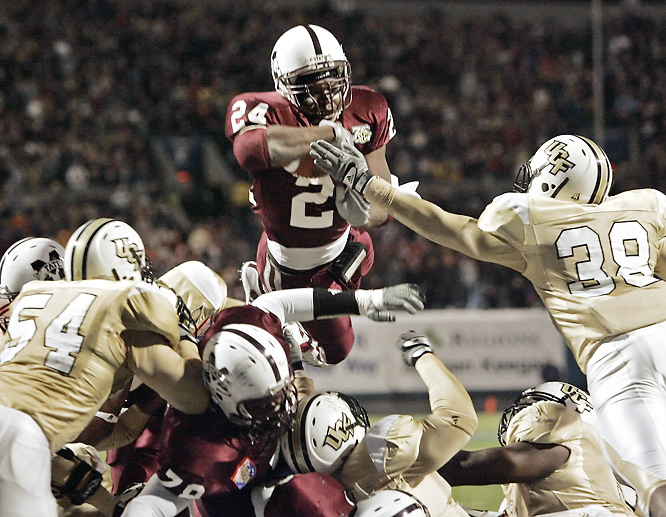 After winning three games in each of his first three seasons, Sylvester Croom finished the '07 campaign with an eighth win over UCF. In a defensive ballgame, Anthony Dixon (pictured) led the Bulldogs' charge with 86 yards rushing and the game's only touchdown.