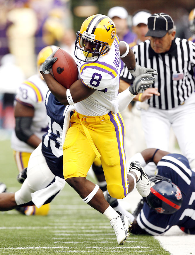 The Tigers struggled a bit with Brent Schaeffer and the Rebels, but in the end LSU clinched the SEC West title. Trindon Holliday (pictured) returned a kickoff 98 yards for a touchdown, while LSU's three-headed monster of Jacob Hester, Keiland Williams and Charles Scott combined for 172 yards rushing and three touchdowns.