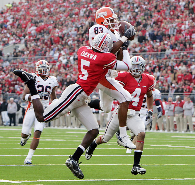 In their only loss of the season, the Buckeyes just had no answer for Illinois' Juice Williams. Williams tossed four touchdown passes and rushed for 70 yards. Ohio State QB Todd Boeckman had his worst game of the season, throwing three interceptions and zero touchdown passes.