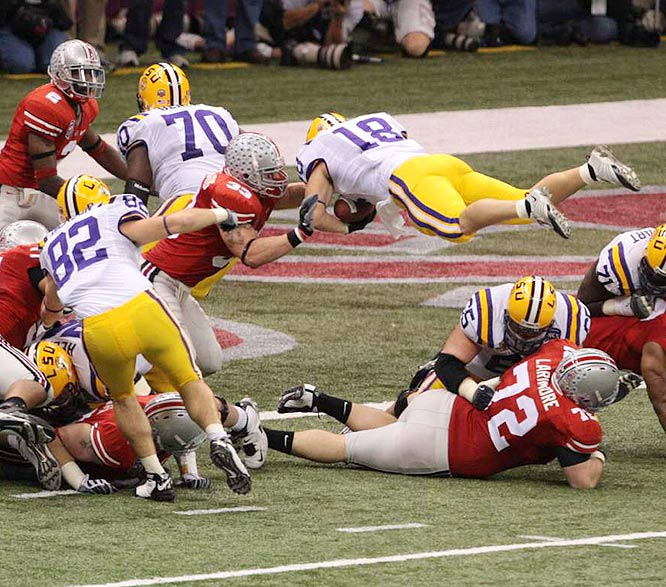 Ohio State linebacker James Laurinaitis stopped Jacob Hester on this goal-line attempt, but the LSU tailback would find the end zone a few plays later to put the Tigers up 24-10 heading into halftime.