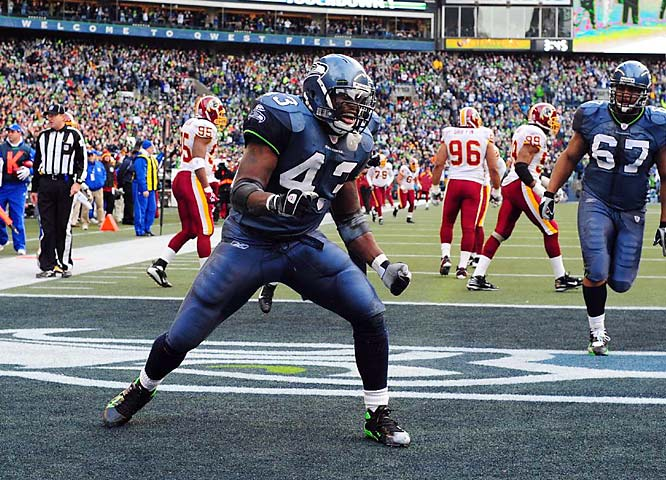 Fullback Leonard Weaver's 17-yard touchdown in the first quarter was the longest scoring run by a Seahawk in a playoff game.