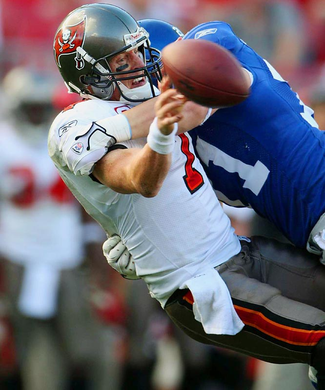 Jeff Garcia, who beat the Giants in two previous playoff starts against them, threw for 207 yards and two interceptions and finished with a 60.5 rating. The Bucs had one passing play of more than 20 yards, which was a catch-and-run near the end of the game.