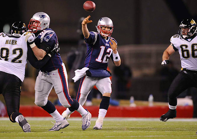From eye-popping statistical exhibitions to gutsy come-from-behind efforts in the final reel, Brady's virtuoso performances came in many shapes in sizes throughout his flawless `07 campaign. But the unflappable QB saved his piece de resistance for Saturday night's postseason opener. The two-time Super Bowl MVP completed 92.9 percent of his passes -- 26 out of 28 attempts -- to establish an NFL record for accuracy while vaulting the Patriots into their second straight AFC Championship Game.