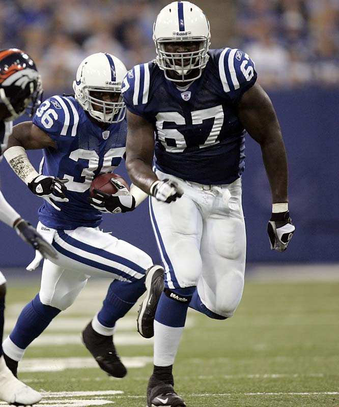 Some Indy fans were panicked about the retirement of longtime left tackle Tarik Glenn, but Ugoh (67) did a great job protecting Peyton Manning and showed surprising mobility downfield.