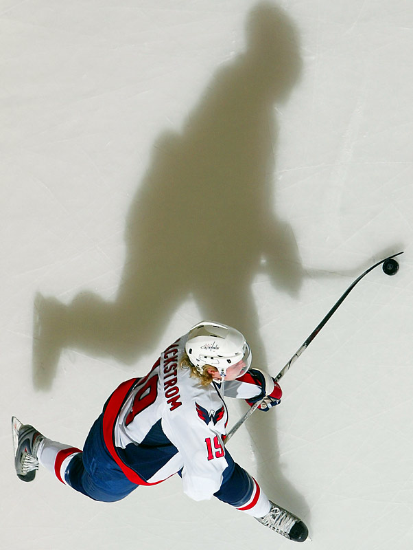 A favorite for the Calder, Backstrom, 20, was the fourth overall pick of 2006. Skating on a line with Alex Ovechkin and Viktor Kozlov, Backstrom's savvy playmaking skills have racked up 41 points, including 32 assists, through 50 games and earned him a spot on the Eastern YoungStars team.