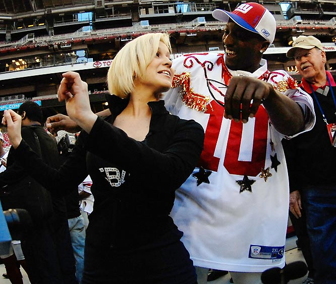 And former American Idol contestant Kellie Pickler danced with Giants cornerback Kevin Dockery...