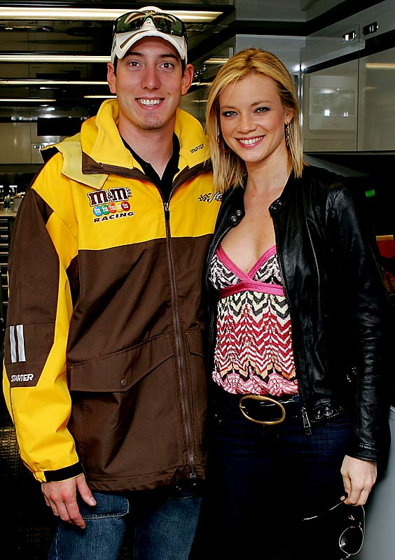 """Road Trip"" star Amy Smart made Kyle Busch's Valentine's Day a little brighter when she joined him for a photo op at Daytona International Speedway."
