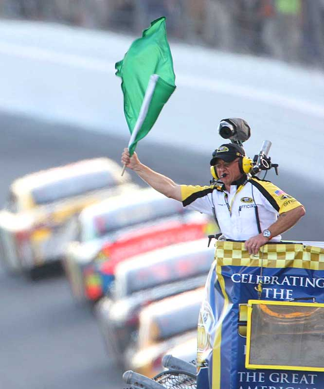 With the waving of the green flag, the 50th Daytona 500 starts without a hitch.