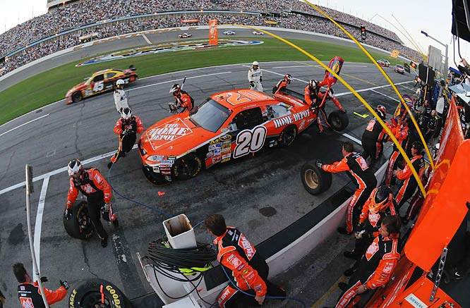 ''I don't think there's too many people that would take the white flag and like finishing third,'' a dejected Tony Stewart sighed at day's end. ''We tried to win the Daytona 500. That's all I can say. I just made the wrong decision on the backstretch.''