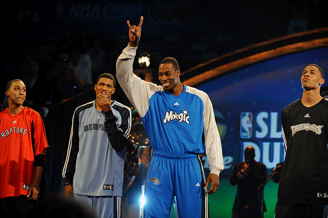 Raptors guard Jamario Moon, Grizzlies forward Rudy Gay, Magic center Dwight Howard and Timberwolves guard and defending champ Gerald Green are introduced for the Slam Dunk Contest.