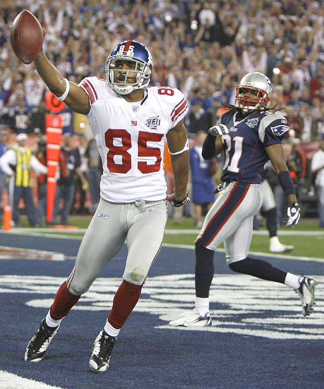 After a scoreless third quarter the Giants took a 10-7 lead as David Tyree and Manning connected on a 5-yard TD.